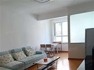 荣和城四期E区简装两室家具家电齐全拎包入住看房方便有钥匙
