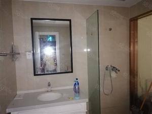 万达公寓精装修,空调,热水器,拎包入住