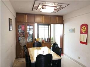 东环小区装修好4房加车库出售