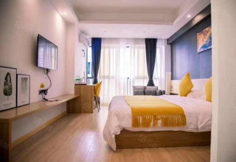 33平一楼带花园豪华装修小公寓,大落地窗双面采光,环境优美