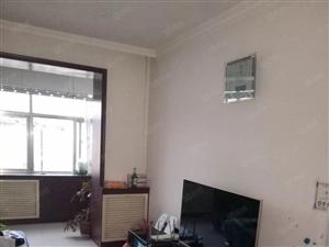 万通小区标准2居室,不是顶楼,有产权可按揭,看房请预约