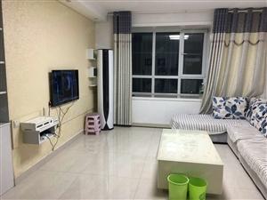 阳光润泽园3室2厅精装修拎包入住2200元