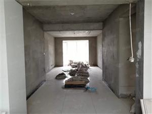华信浅水湾大三居,带车位储藏室,135平,有证,随时看房。