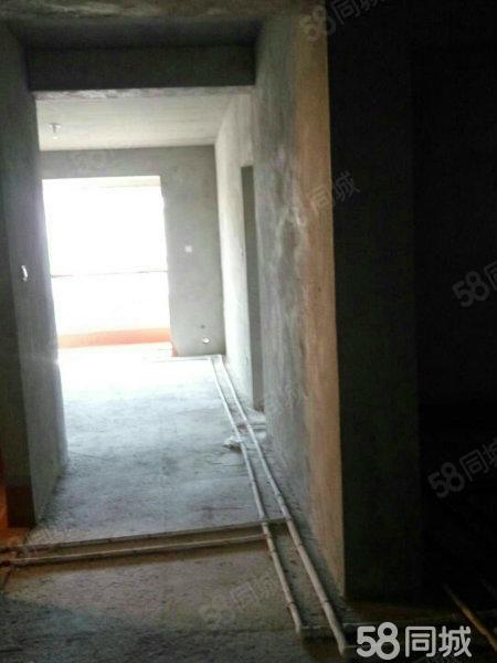 银堤漫步高档小区一楼带60平小院带车位带地下室