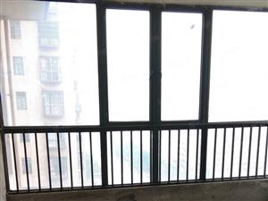 新葡京平台印象四房两厅两卫精装房出售