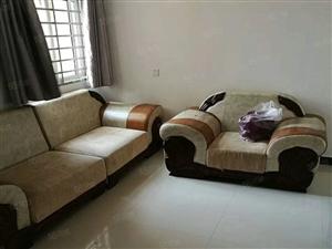 出售兴乐花园两室两厅一卫,中装,带部分家具,全款
