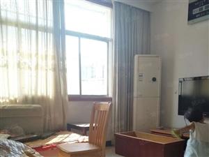 新街两室两厅,两证齐全可按揭,83平,看房请致电
