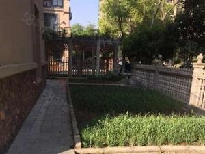 碧桂园双拼别墅。精装修,花园240平。