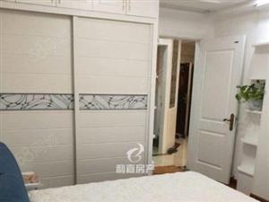 利嘉南岸社区国宝壹号精装三房,用的全部都是好的家具