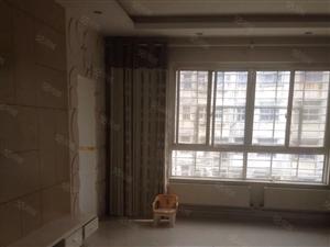金色华府3楼三室两厅精装修