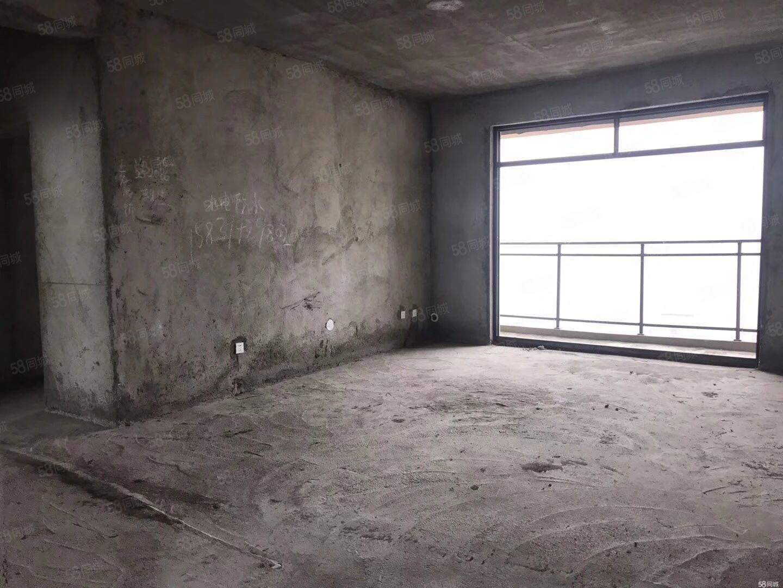 紫荆城,步梯四楼!首付15万,理位置优越!送地下车库,有本