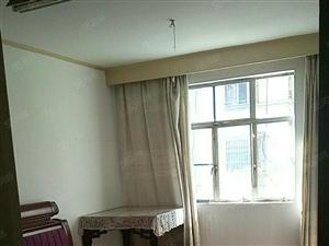 建业北路套房2室1厅设施全,月租750元。