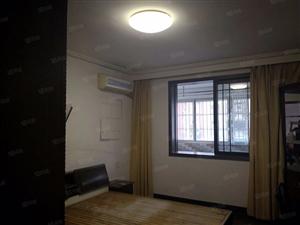 天力小区两室半两厅两卫4楼