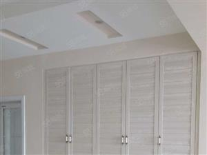 滨湖花园4室2厅精装修全套家具家电3200元有钥匙