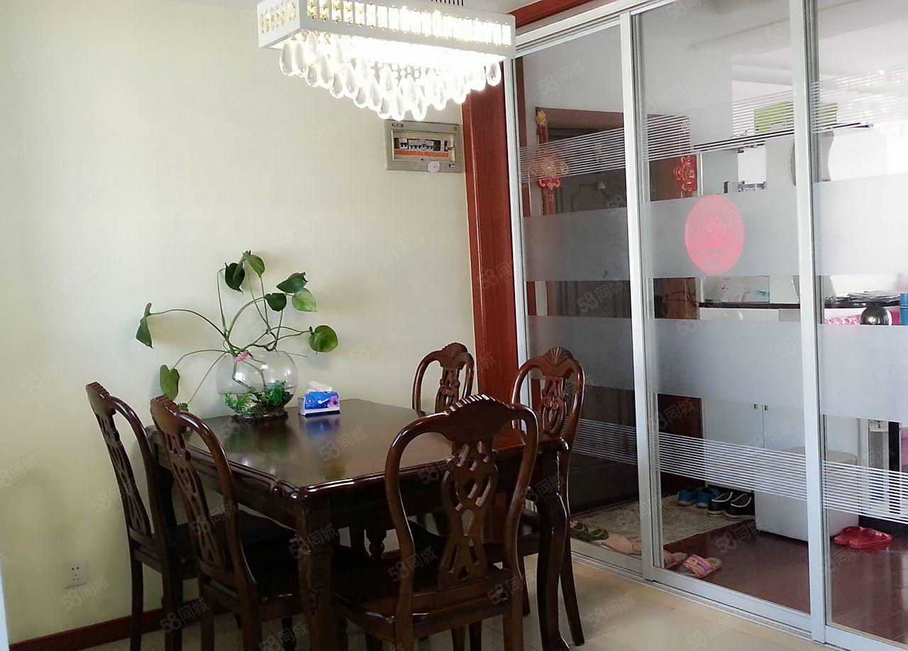 富田太阳chen小区精装两室两厅一厨一卫,家具家电全送