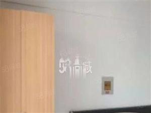 都市华庭,42平精装1室,家具家电齐全,年租14000包物业