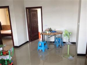 装修温馨3室送简单家具电器29.8万