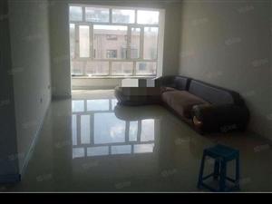 秀水家园。6楼。两室一厅。97平。有床。沙发。