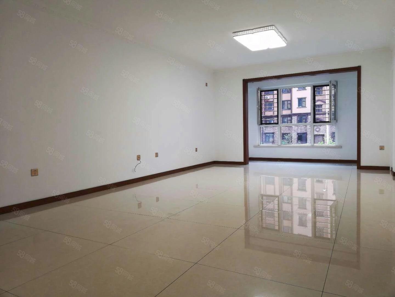 出售首创象塑2楼143.9平3室2厅2卫90万可贷款随时住