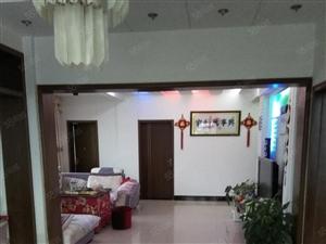 精装修,林峰老火车站旁,无证,拎包入住,大三房,三面采光佳