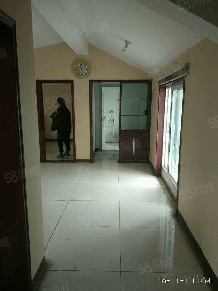 龙苑小区25万2室1厅1卫普通装修周边配套完善