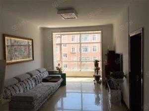龙泉小区精装两居室出售