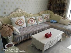 文化小区,豪华精装修,家电家具全齐,随时看房,拎包入住。