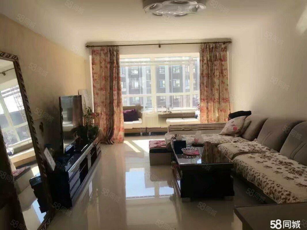 凯地家园二期,100平1室,家具家电齐全,年租1.4万带空调