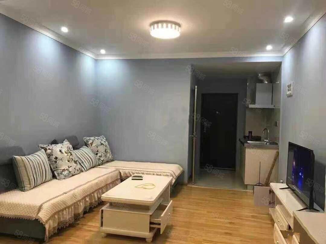 时代广场三区装修非常好带家具如下图生活方便