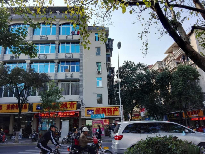 中街龙初好地段70平光线非常好仅66万