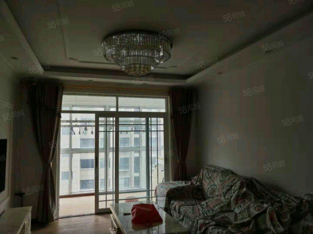 金色东方精装修南北通透采光充足家具家电齐全随时看房
