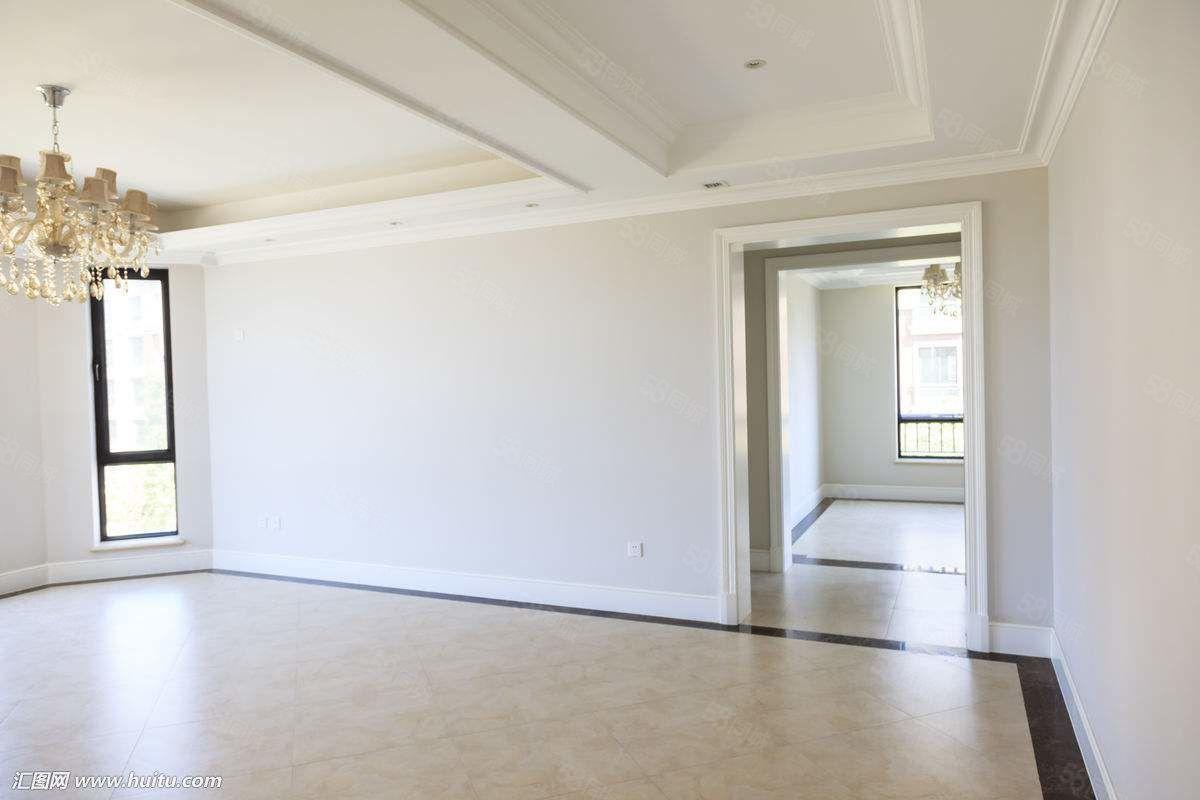 出租时代广场4室1厅,家具家电齐全,拎包入住
