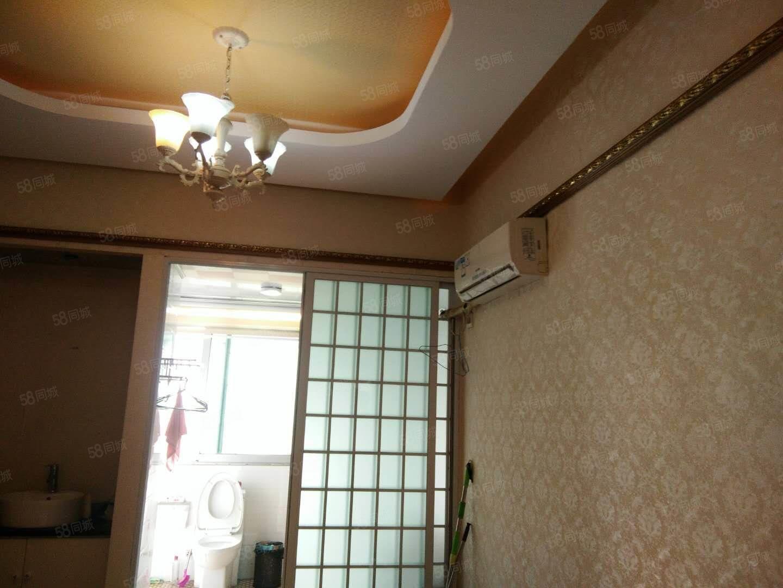 皖城商厦附近宾馆形式住房装修精美!
