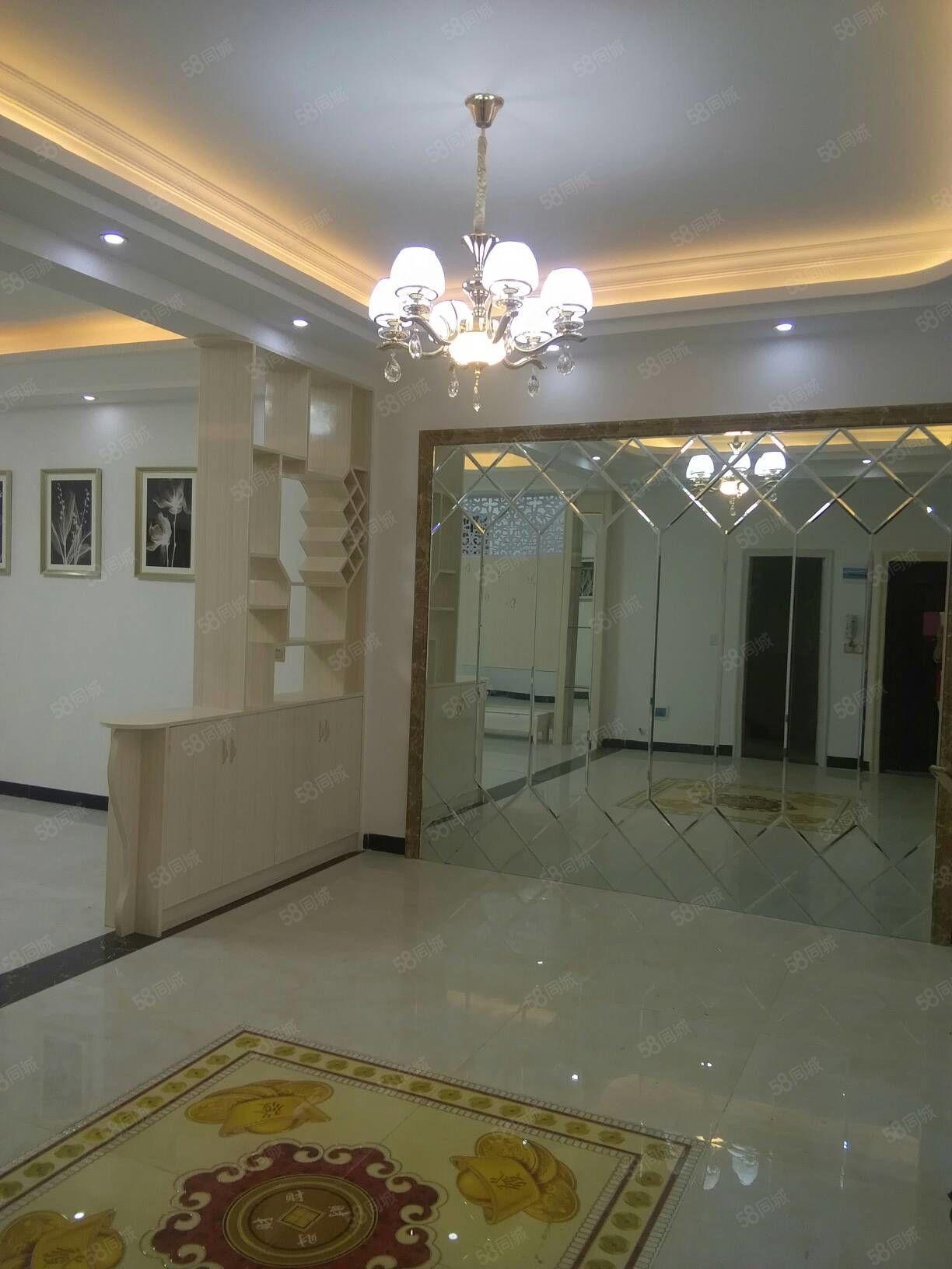 石门小区旁边141平方三室两厅二卫住五楼豪装有证39.8万