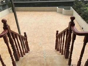 绝佳大平台豪华实木家具全新装修,近100平米大露台私家使用