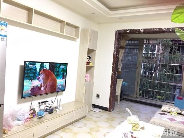 泸县二中对面锦华城三楼精装两室出租,全新家具电器