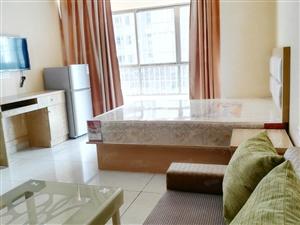 万达碧湖翰苑免中介费,豪华单身公寓床被单可租用,拎包即可入住