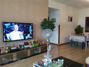 龙城国际+三室双卫+视野好+出路方便+房东诚售