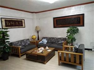 翠绿山庄3室2厅精装办公室出租