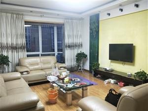 嘉联房产、滨江花园、3楼精装带杂屋