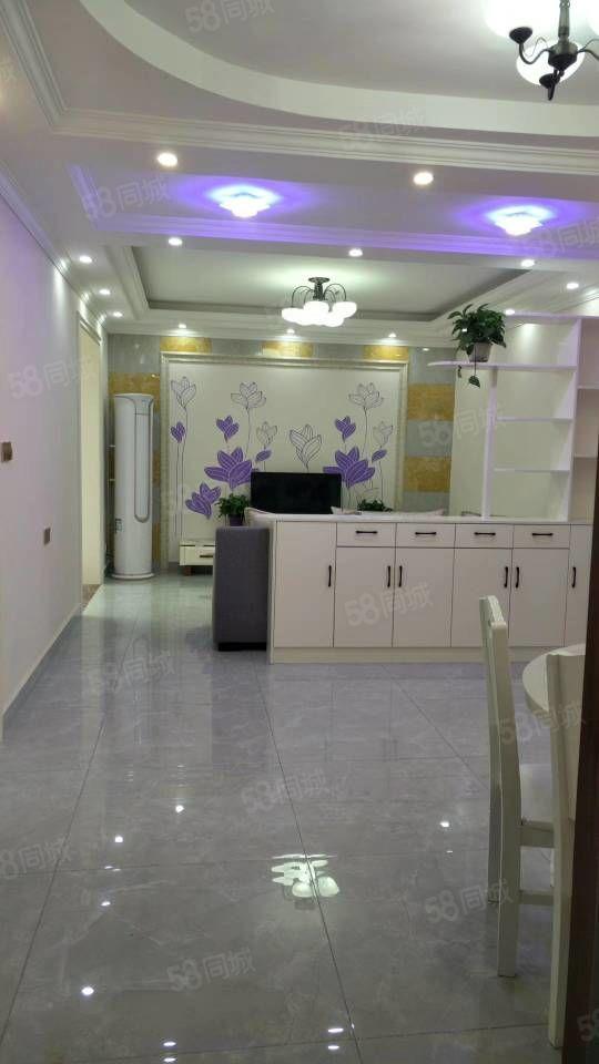 九州名园精装修两居室的电梯房