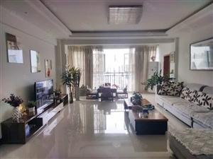 西城片区4房7楼精装152平70万东西银龙新苑