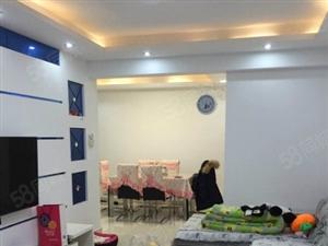 永泰国际广场8楼130平方米三室两厅高装