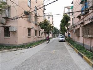 房东诚心出售康宁小区住宅,欢迎看房,随时恭候。