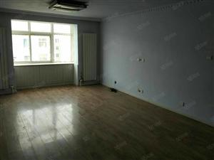 3室2厅,装修好,5楼步梯出租!