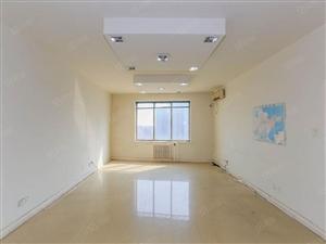 诚意出租,精装看海150平大套二,可空房,可配齐家具