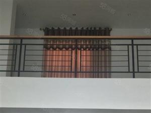 金鸿花园45层,客厅调空,车库地下室38平方,露台40平方