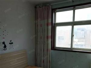 锦艺城旁秦岭路5号院一楼带院标准一室一厅房东急售