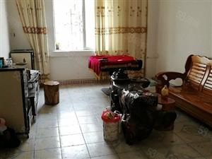 天子路3室2厅120平米简单装修押二付一