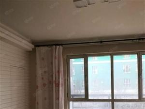 润泽园三室两厅,精装,户型南北通透,可贷款。